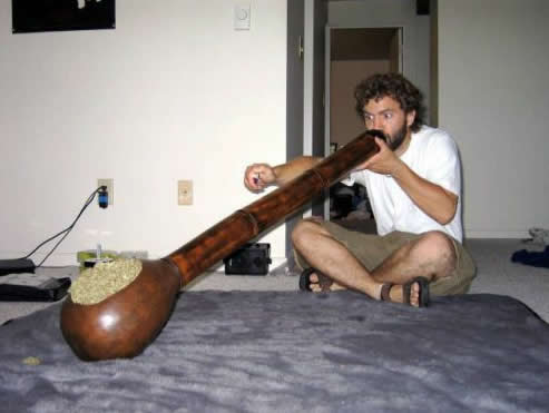 biggest-weed-pipe-ever.jpg