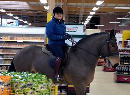 Woman Rides Horse Into Tesco As Part Of A 'NekNominate' Dare