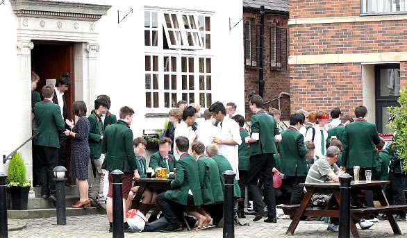 6th Formers Mark the Start Of A-Levels With A Pint
