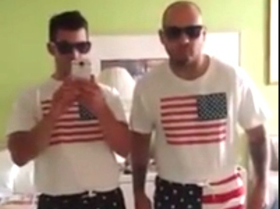 Two English Lads Are In The U.S For The First Time.