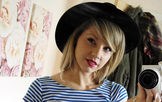 Rose Nicholas: UK's Taylor Swift Lookalike