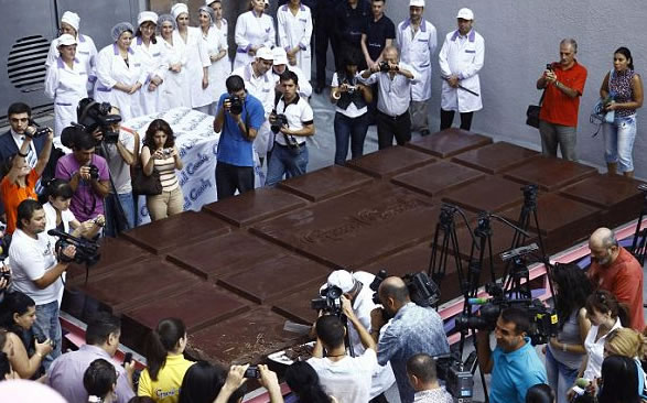 world-largest-chocolate